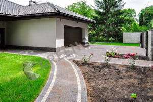 Дорожки и газон на дачном участке