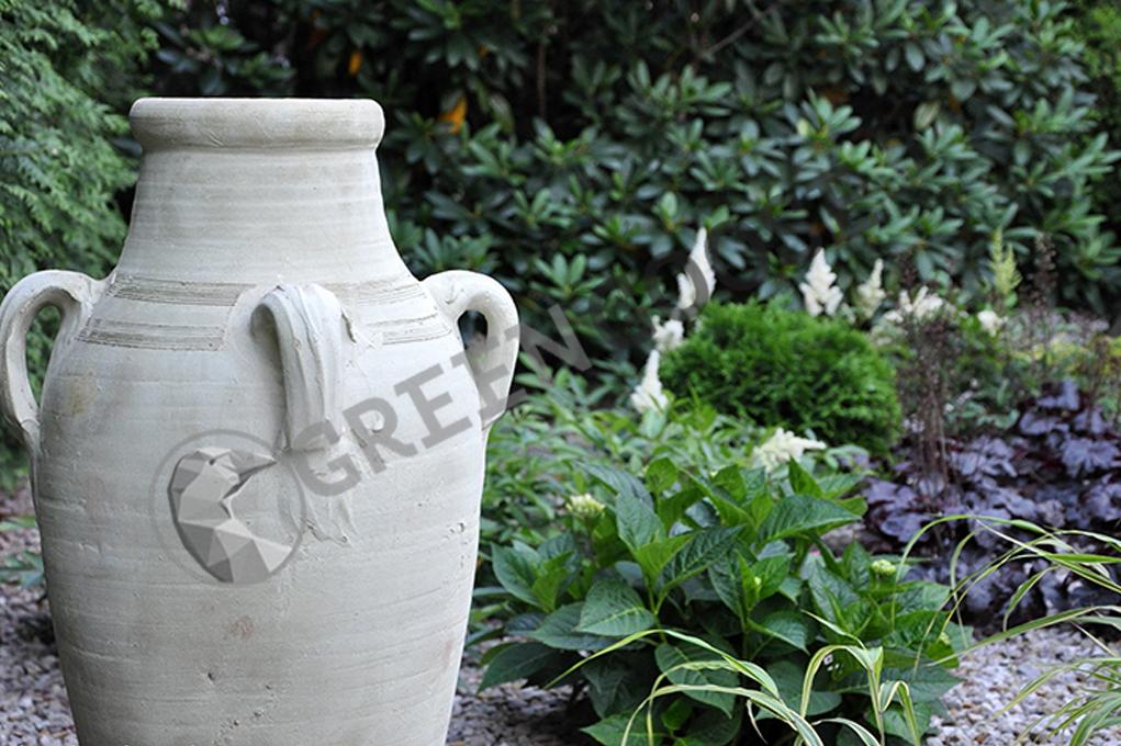 Использование ваз характерно для итальянского и средиземноморского стилей дизайна