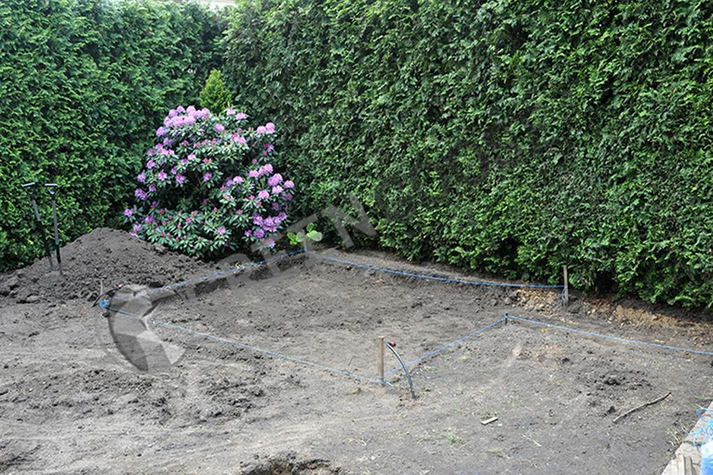 Подготовка основания под площадку и подготовку почвы под газон